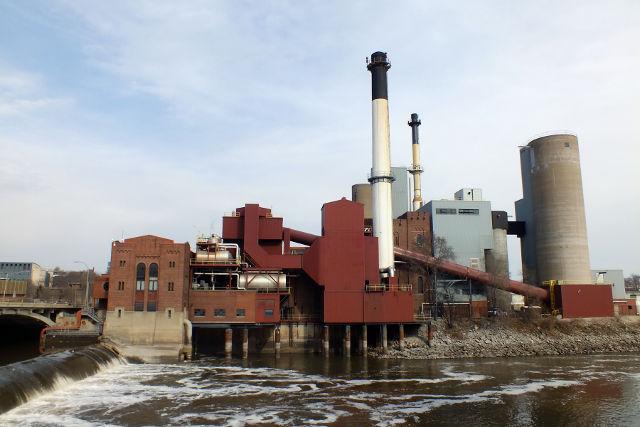 Old King Coal University Of Iowa Making Slow Progress On
