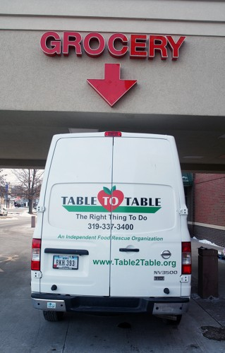 Table to Table ready to load food from waterfront Hy-Vee store  in Iowa City — photo by Adam Burke