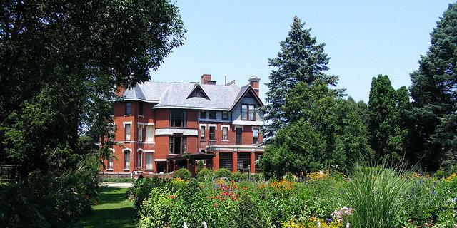 Brucemore Mansion