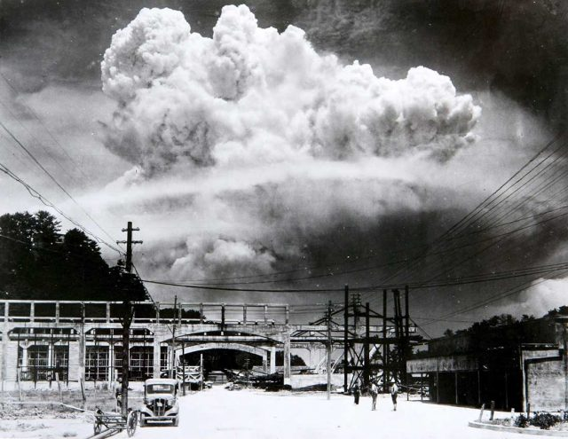 Atomic cloud over Nagasaki from Koyagi-jima -- Photo by by Hiromichi Matsuda