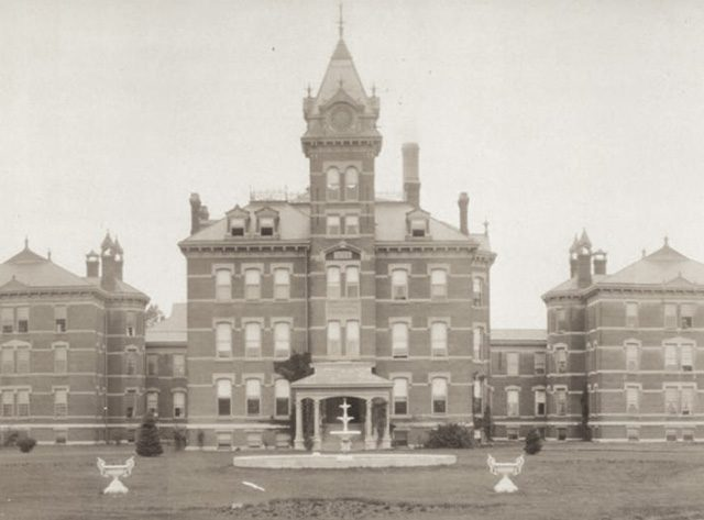 Iowa State Hospital for Insane -- photo by F. J. Bandholtz, 1908
