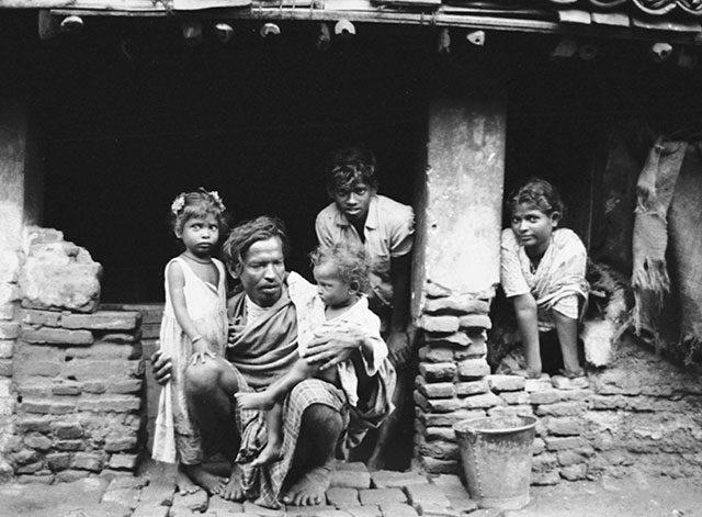 Veda Chalam Family, Madras, India, 1961 -- image courtesy of Ted Polumbaum/Newseum
