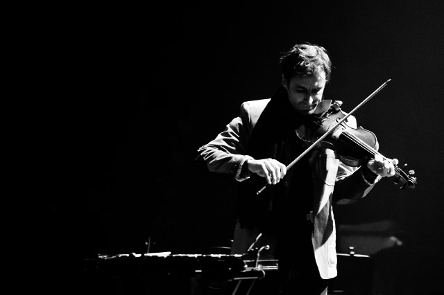Violinist Andrew Bird, formerly of Squirrel Nut Zippers and Bowl of Fire, brings his solo work to Iowa City -- photo courtesy of Mission Creek Festival