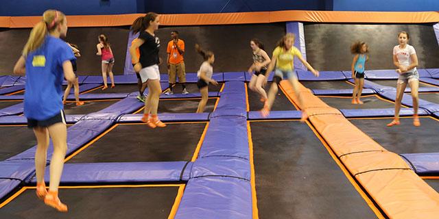 Air fx trampolin park gå ceder rapids :: caphokida.ml