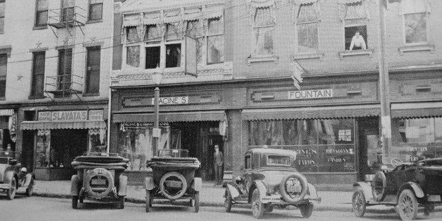 Iowa City - Clinton Street - Early 20th century