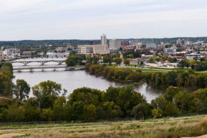 Cedar River Cedar Rapids bridge